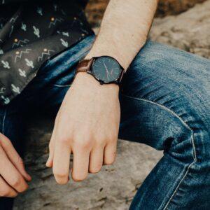 orologio uomo sportivo elegante